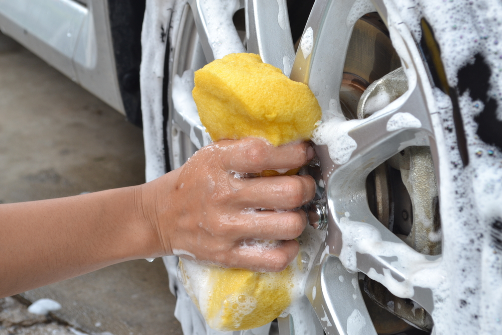 Five wheely good tips for cleaning your car wheels